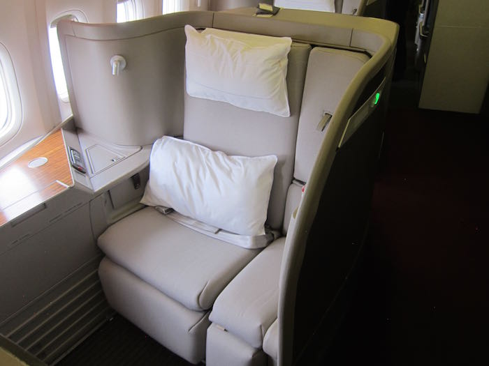 Cathay-Pacific-First-Class-777-04.jpg