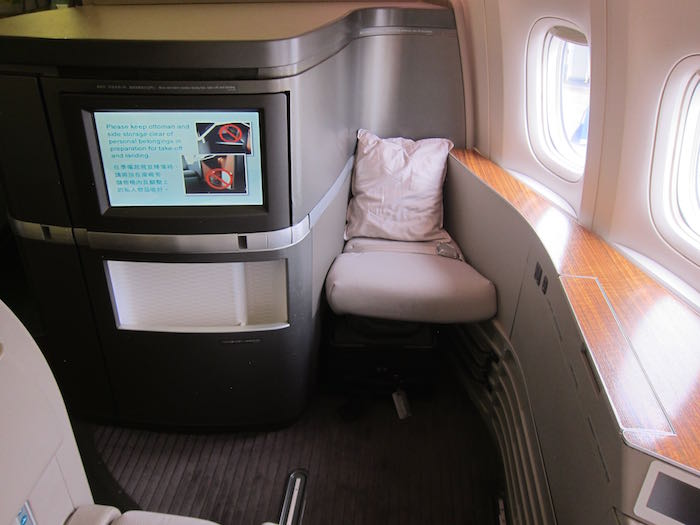 Cathay-Pacific-First-Class-777-05.jpg